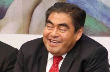 Barbosa prohíbe regreso de actividades industriales en Puebla