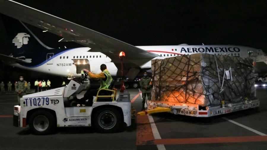 En el cielo también hay crisis, Interjet vende sin flota
