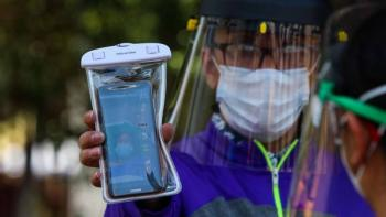 Entregan informes médicos de pacientes COVID-19 por videollamada en Estado de México