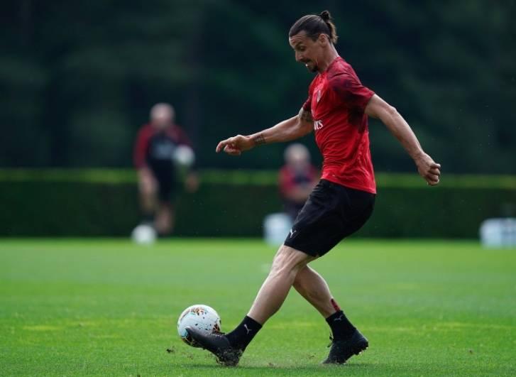 Ibrahimovic se lesiona y el Milán teme lo peor