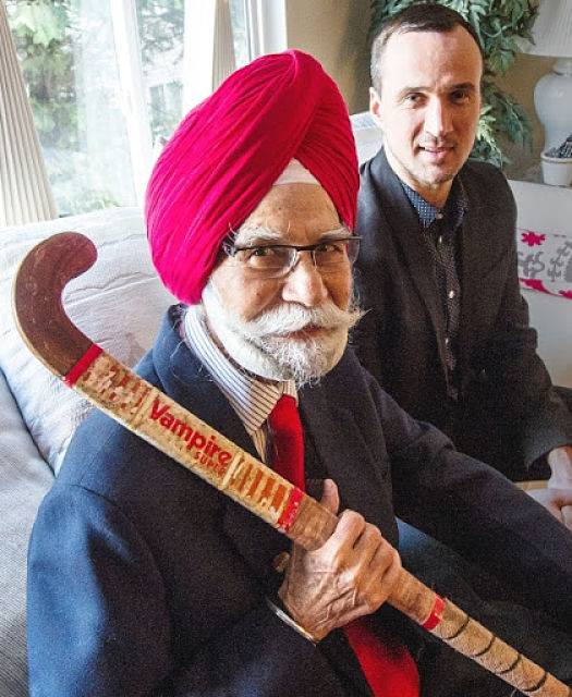 Muere Balbir Singh, tres veces campeón olímpico en hockey