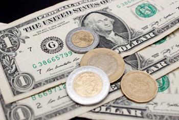 Peso extiende racha positiva; cotiza en 22.59 por dólar