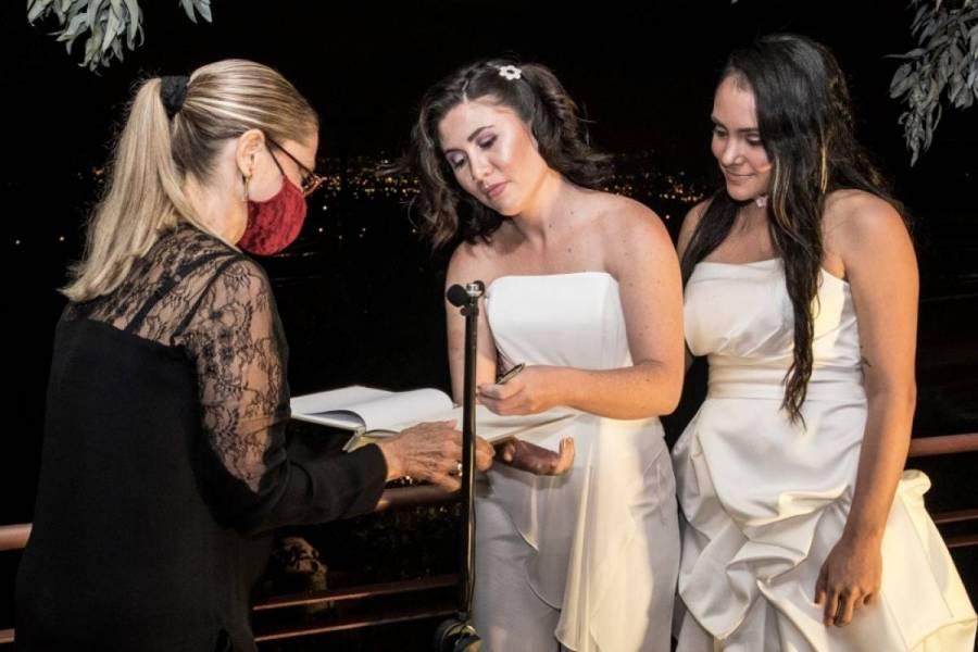 Costa Rica, primero en Centroamérica en aprobar matrimonio igualitario
