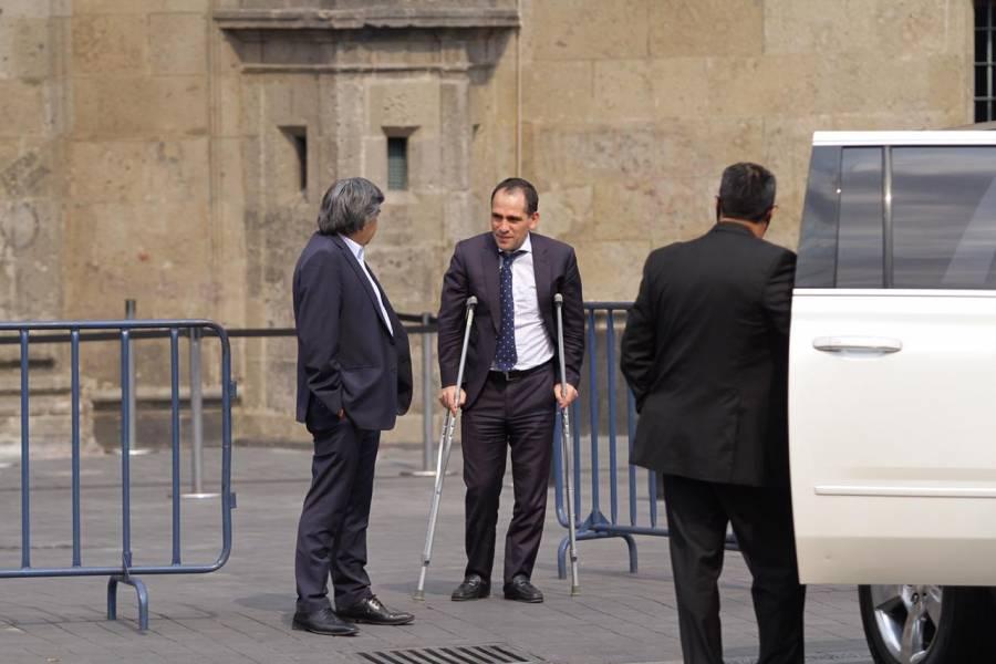 Vieja lesión de fútbol llevo a Arturo Herrera al quirófano