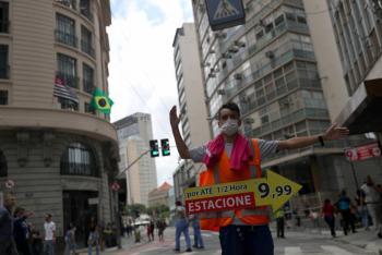 Sao Paulo reabriría centros comerciales por 15 días