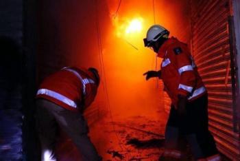 Se logra controlar el incendio en la Central de Abastos de Oaxaca