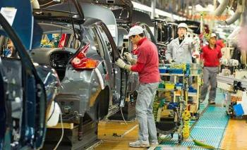 Cerrará Nissan de Barcelona; trabajadores se manifiestan