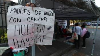 Salud llega a acuerdo con padres de niños con cáncer