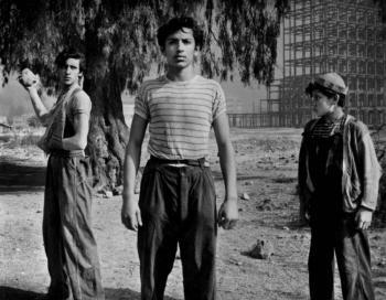 """""""Los Olvidados"""" reseña de un pasado vigente"""