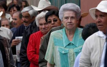 IMSS da recomendaciones a pensionados para evitar contagios en sucursales bancarias por riesgos de Covid-19