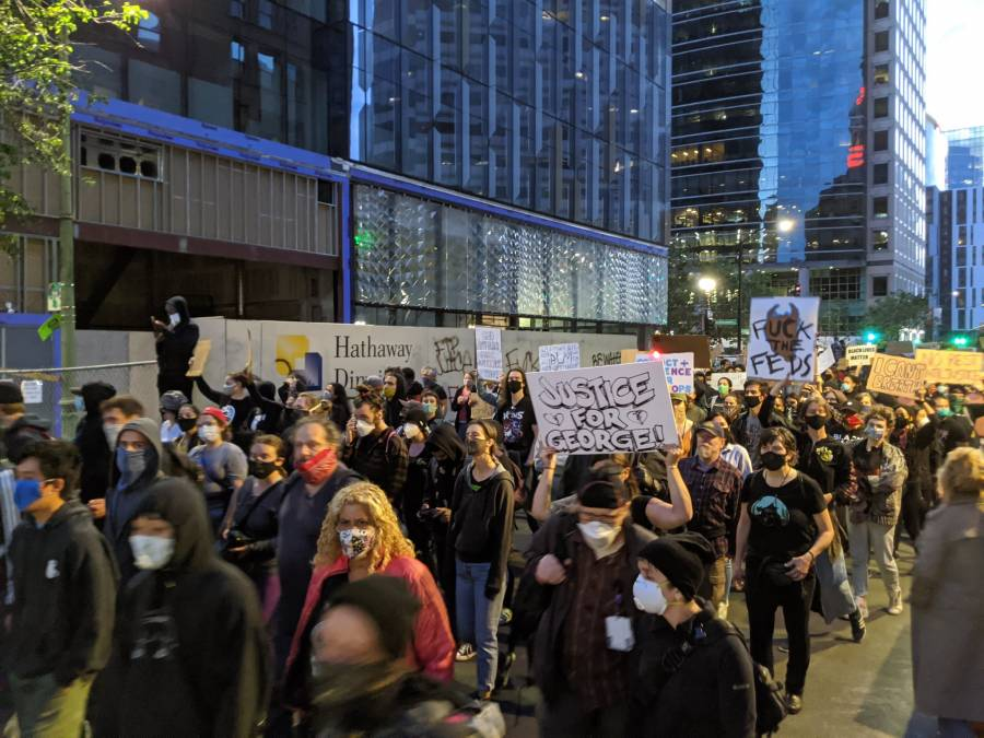 Fallece policía en California en medio de manifestación por George Floyd