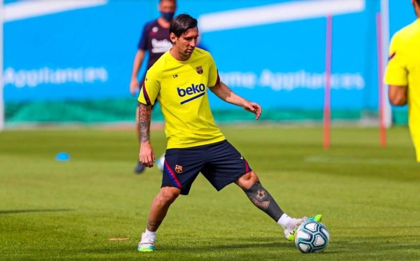 Messi no activa cláusula liberatoria y se queda en el Barcelona hasta 2021