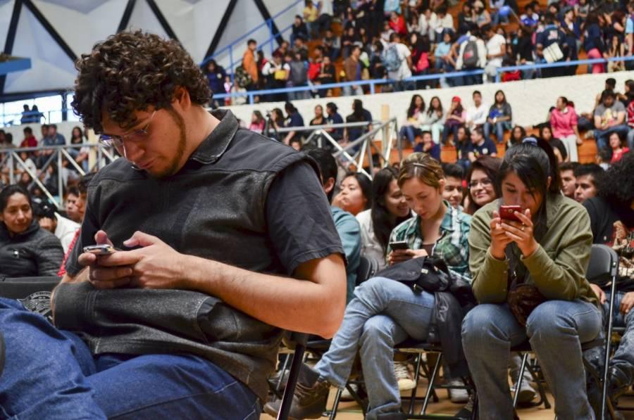 Televisa va por telefonía móvil virtual