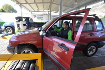 Amplían periodo para verificar autos en Estado de México