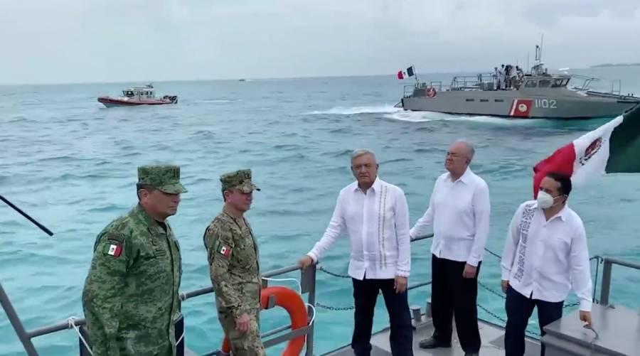 AMLO festeja día de la Marina en nave maritima