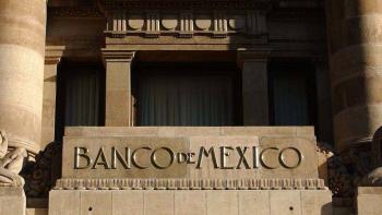 Expectativa de especialistas prevé caída del menos 8.6 por ciento del PIB en 2020: Banxico