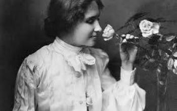 Hellen Keller, la escritora ciega y sorda que rompió con lo imposible