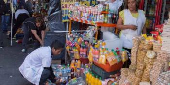 IZTAPALAPA BUSCA CRÉDITOS A LA PALABRA PARA COMERCIANTES INFORMALES, SIN INTERESES