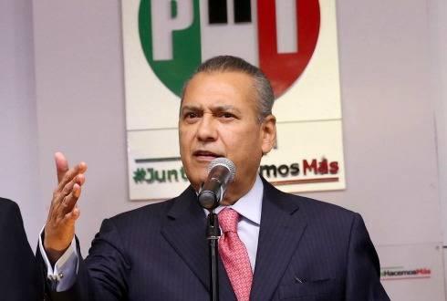 Lamenta Manlio Fabio Beltrones fallecimiento de Héctor Suárez