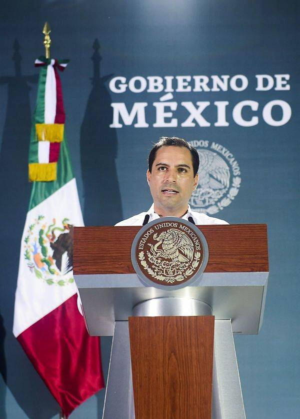 Gobernador pide a AMLO revisión de recibos de luz en Yucatán
