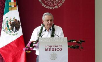 No se debe politizar salud de mexicanos ni economía: AMLO