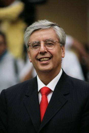 Jaime Cárdenas llega al Instituto para Devolver al Pueblo lo Robado
