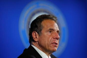 Gobernador de NY pide distinguir entre saqueadores y manifestantes
