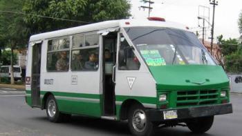 Microbús y explosivos falsos fueron utilizados en robo de banco