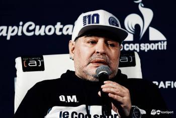 Maradona asegura su puesto de entrenador en Gimnasia y Esgrima La Plata hasta el 2021