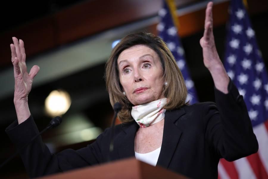 Pelosi denuncia despliegue de fuerzas sin identificar en Washington