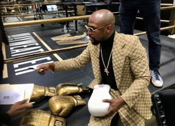 Mayweather dona más de 88 mil dólares por caso Floyd