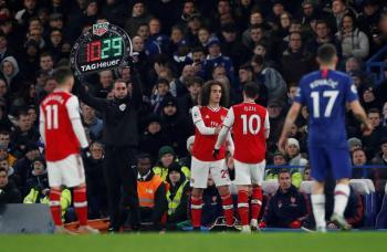 Premier League da luz verde a los cinco cambios por juego