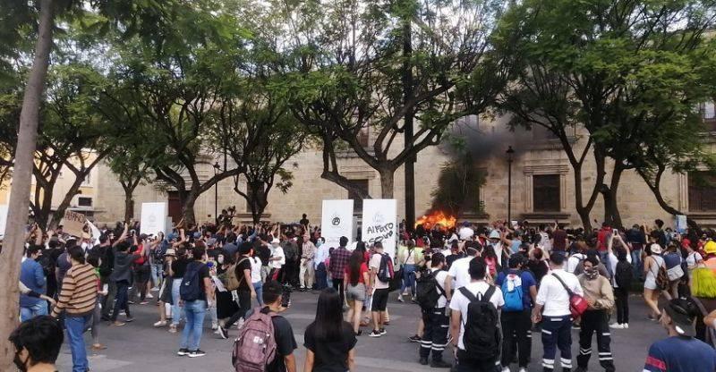 Condena CEDHJ violencia en manifestación por la muerte de Giovanni