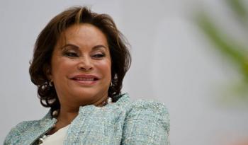 Elba Esther denuncia que clonaron su línea telefónica