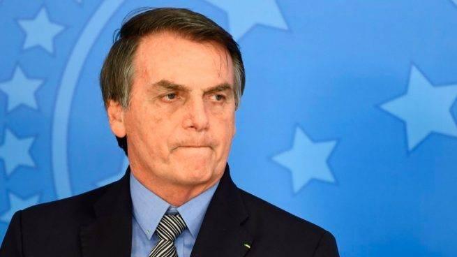 Bolsonaro esconde datos sobre el COVID-19 en Brasil