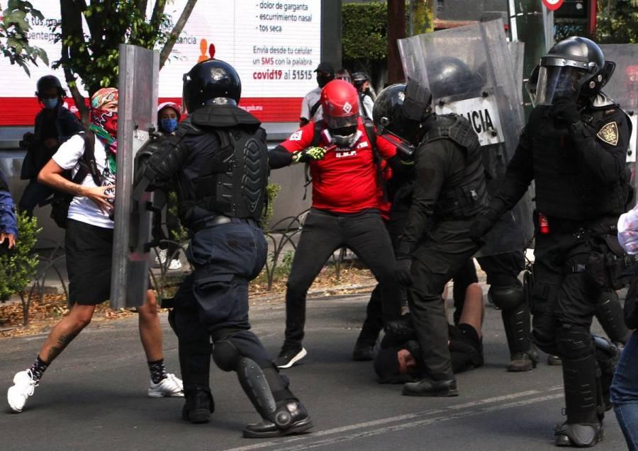 Fiscalía capitalina apoyará a periodistas agredidos durante protesta
