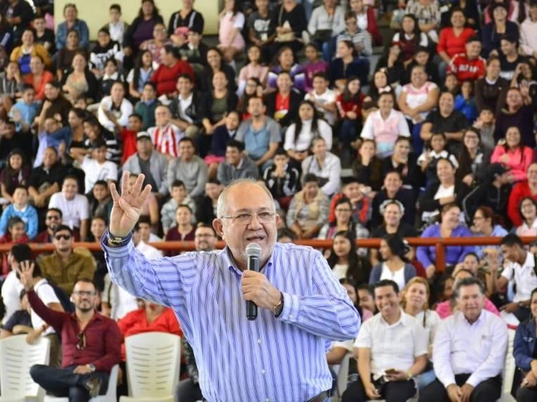 Alcalde de Mazatlán vence al Covid-19