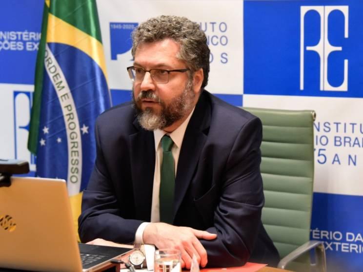 Canciller brasileño critica trabajo de la OMS durante la pandemia