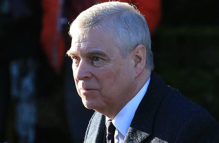 Acusa NY a príncipe Andrés de cooperar falsamente en caso Epstein
