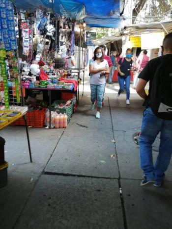Ambulantes incumplen en usar medidas sanitarias