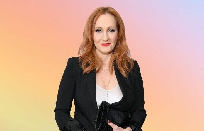 Rowling revela abuso pasado y defiende su derecho a hablar sobre temas trans