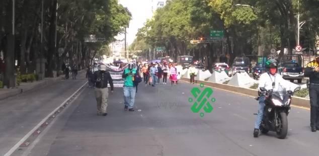 Artesanos exigen recursos y ocasionan caos vial