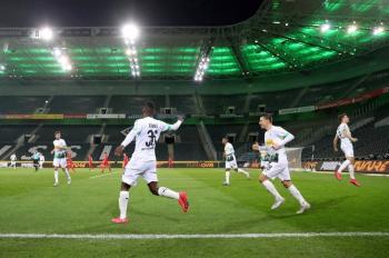 Futbolistas podrán jugar en hasta tres clubes por temporada para mitigar impacto Covid-19: FIFA
