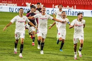 Sevilla vence al Betis en el reinicio de LaLiga