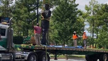 Panteras de Caroline retira estatua de Richardson por temor a vandalismo