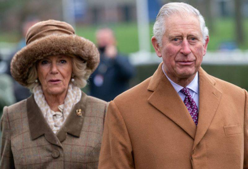 Termina su aislamiento el príncipe Carlos y retoma su lugar como líder de la Corona