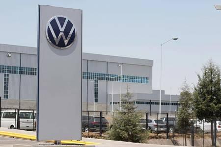 Trabajadores de VW regresan a la planta de Puebla el 16