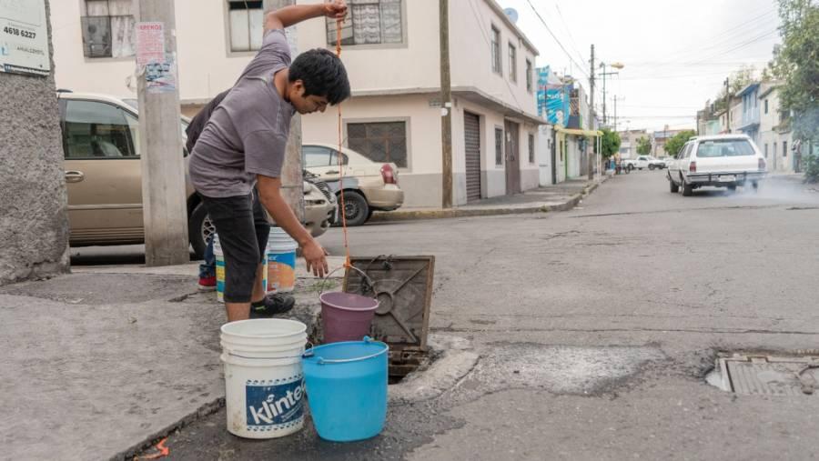 Sin agua, Neza resiste en el pico de la pandemia