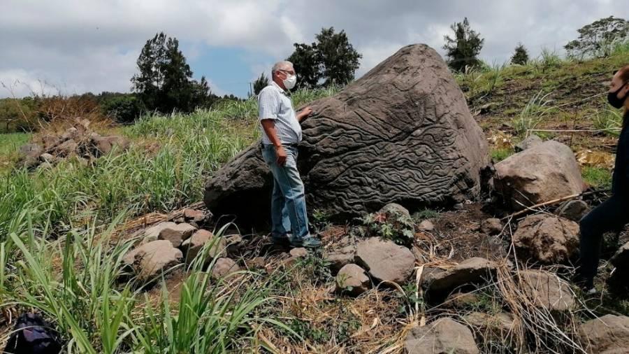 INAH da a conocer una piedra mapa de hace 2000 años.