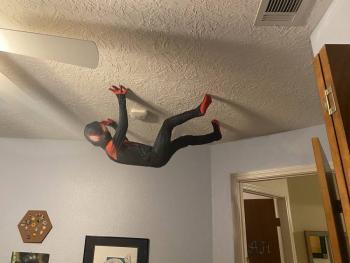 Niño se vuelve viral al cumplir su sueño de convertirse en Spider-Man